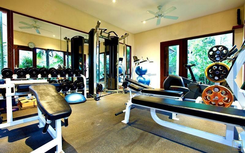 泰国苏梅岛密斯卡湾金合欢别墅健身房