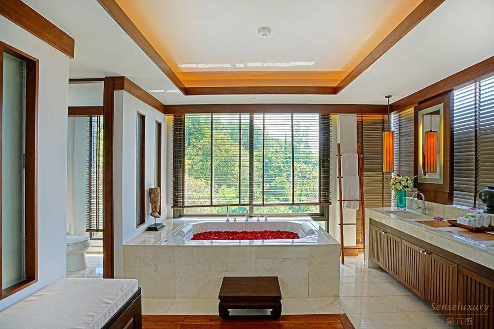 泰国普吉岛艾逸别墅浴缸